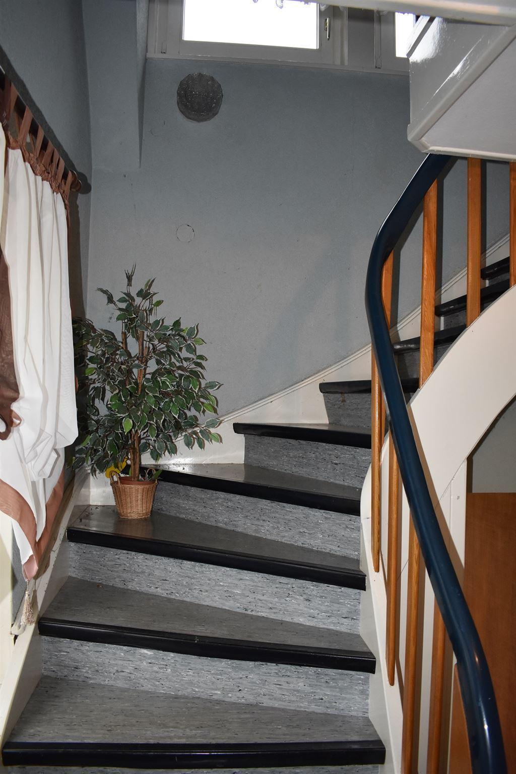 Treppe zu DG.